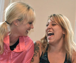 Drug rehab uses laughter as a form of addiction treatment